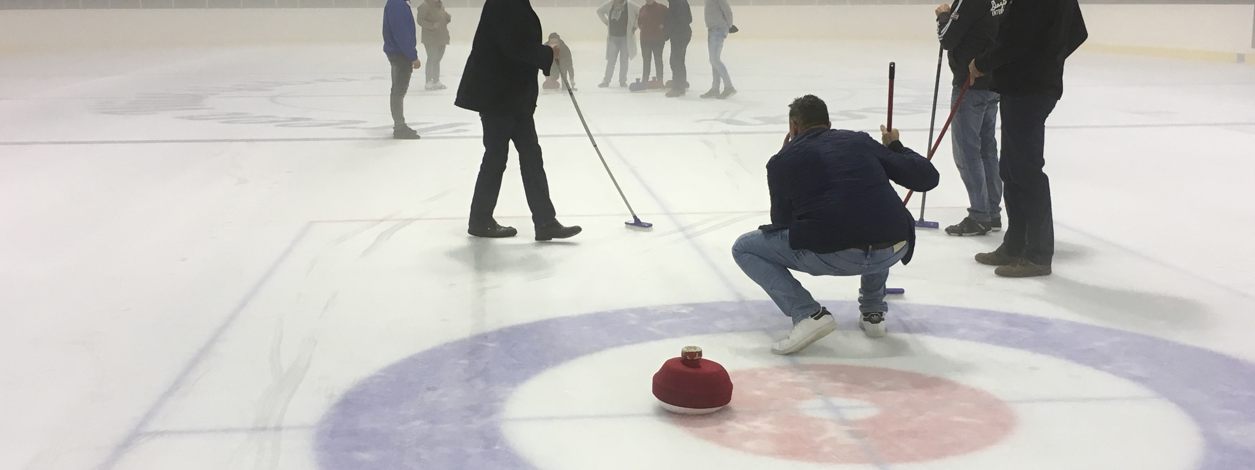 Fun Curling Clinic winter teambuilding